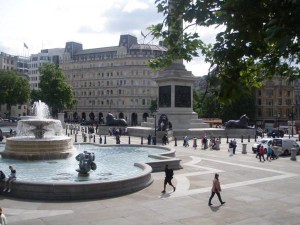 Ang bantog nga Trafalgar Square.