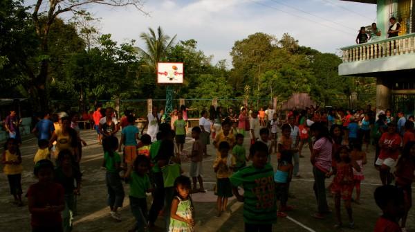 """Ang mga Bata sa Amun Baryo"" / Brgy. Christmas Party 2012  @pangga_gen"