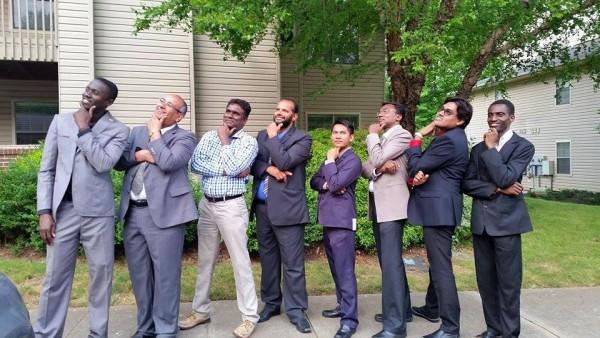 Wara lang. Pagkatapos kang amon gwadwasyon sa Clemson University, daw mga kandidato kami sa 'Mr. World' nga nag-pose sa atubang kang kamera. Sa tanan kanamon nga male ILEP scholars, indi gid manigar, ako ang pinakakuribod.