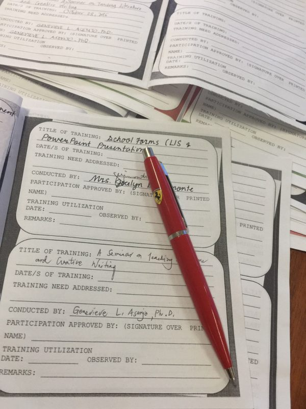 Mga seminar-training passbook kang mga manunudlo nga akun ginpirmahan.