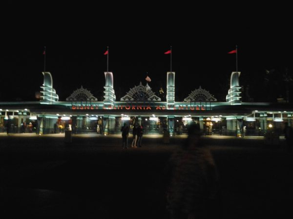 Litrato ko kang Disneyland sa guwa.