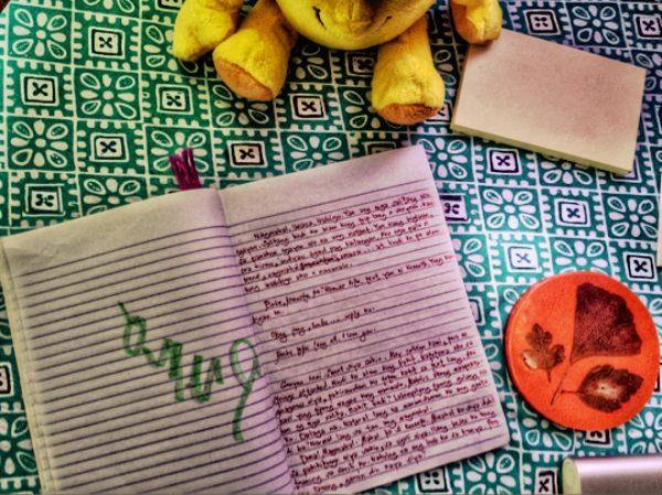 Ang notebook ni Cheska sa akon lamesa. Litrato ni Pangga Gen.